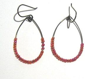 Niobium teardrop earrings with tiny red beads Hypoallergenic dangle earrings
