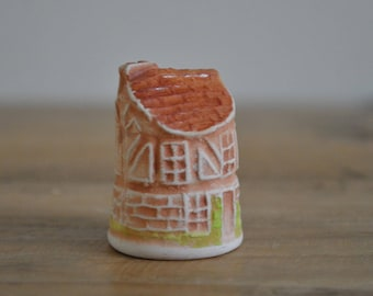 Vintage thimble - 3D hand painted - House - Building - Plaster - China - House