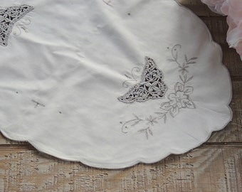 Gorgeous Antique Cream Embroidered Linen Oval Placemats Set Of 4, French  Country Wedding Cottage Chic