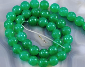 "6mm Green Jade Beads, Smooth Round Jade Beads, 15.5"" Strand, Approximately 67 Beads"