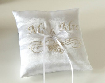 White Ring Bearer Pillow - Wedding Ring Pillow - Wedding Accessory - Ring Pillow - Personalized Wedding Accessory Pillow - Ring Cushion