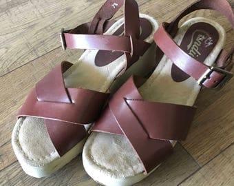 Vintage 90s Leather Candies Sandals, Wave Sole,  Platform wedge heel, size 7.5, hippie boho, dark brown
