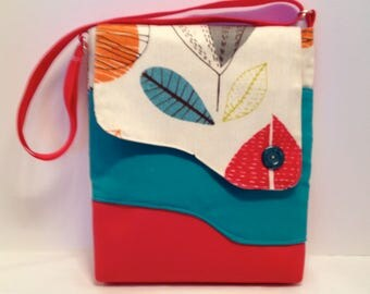 Adult purse: fun modern graphic leaf bag with magnet closure flap, front and inside pockets and adjustable strap