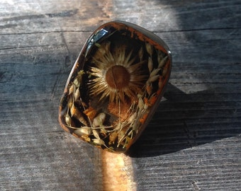 Flowers and Seashells. A big, resin and metal, statement ring. US Size 7.75