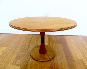 Vintage Oval Tulip Side Table, Mid Century Obling Circle Wood and Brass Accent Table, Bohemian Home, Mid Century Home, MCM Decor