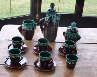 Coffee service Vintage Vallauris 1960, design and original shape, mint green and brown. The shapes are very original,