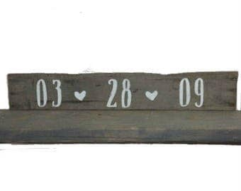 Anniversary date sign - Save the Date Wood Sign - Gallery Wall Decor - Rustic Wedding Gift - Country Wedding Decoration - Barnwood Valentine