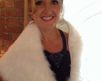 Ivory Faux fur shawl