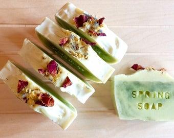 Spring Soap - Sapone artigianale con erbe di primavera, 100% olio di oliva, finocchio, calendula, lavanda, camomilla, menta, finocchio.