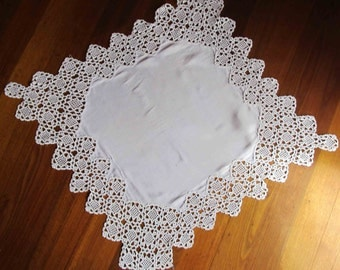 1930s Hand Crocheted Lace Art Deco Line Tablecloth, Antique Lace Tablecloth