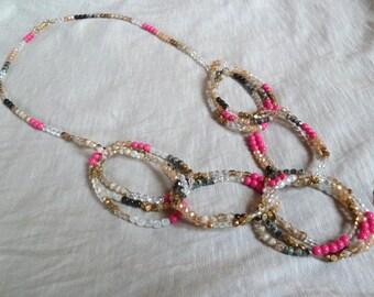 Carthago Halskette mit zahlreichen Perlen teils vergoldet