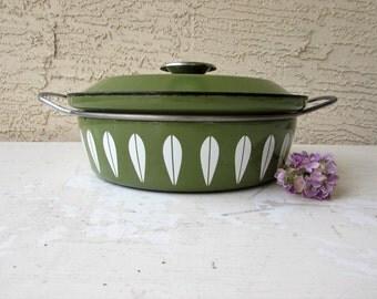 Vintage Catherine Holm Enamelware - Mid Century Modern - Made in Norway - Avocado Green - Lotus Pattern - Pot with Handles -