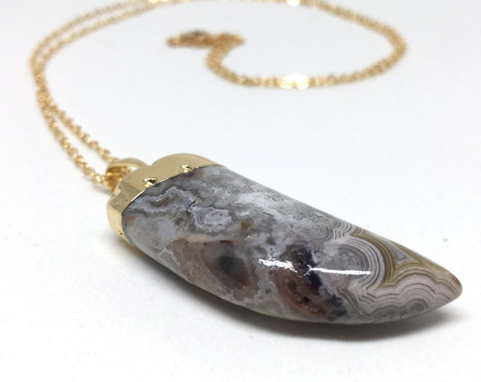 Agate Claw Necklace // crazy lace agate, moss agate, agate horn necklace, boho necklace, bohemian, agate pendant, gold agate necklace
