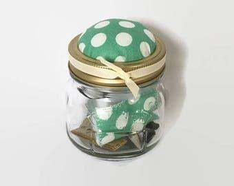 Mason Jar Travel Sewing kit, Pin Cushion, Sewing Kit, Mothers Day Present, Teachers Gift, Wedding Favors, Sewing Notions, Haberdashery,
