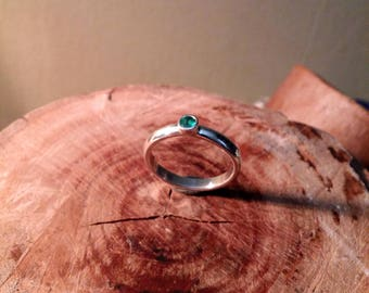 emerald  simple ring silver 925