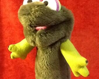 """Hand Puppet """"Huggy Newt""""!"""