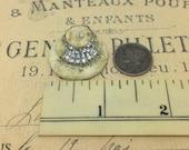 Dollhouse miniatures original vintage handmade 1:12 scale miniature O.O.A.K rare rhinestone two strand pearl necklace jewelry display