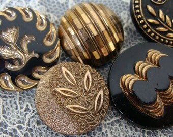 Vintage & Antique Black  Gold glass buttons - great for jewelry - altered art - groupe de boutons noirs et doré