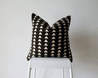 Authentic Mudcloth Pillow, Vintage Mali Bogolan, Warm Black with Cream Beige, Geometric, Triangles