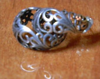 Beautiful Filigree Silver Earrings, posted 925