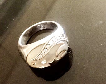 Ring marked 925 sterling silver, mother of Pearl and cubic zirconia