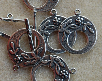 CLASP, Circular Toggle type, Decorative Antique Silver, PAS9025, bar approx 24mm long, clasp approx 28mm.