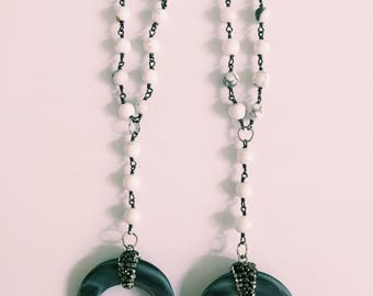 White Horn Y Necklace