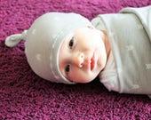 Grey Arrow Newborn Swaddle Set