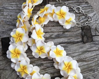 CELADINE Plumeria Hawaiian Lei Car Charm | Classic Hawaiian Lei | Common Hawaiian Lei | Beach Wedding | Bridesmaid Gift | Hula Girl