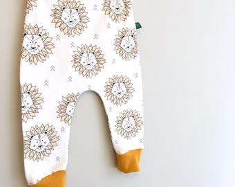 NEW! Baby clothes, lion baby leggings, Baby clothes, baby leggings, baby shower gift, unisex baby clothes, baby trousers, baby, organic