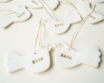wedding favors for guests, White clay bird & personalised tag ~ love ~ wedding gift ~ Valentine's Day ~ anniversary ~ wedding favor