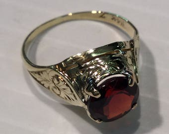 Vintage Art Deco 14k Yellow Gold Genuine Garnet Ring