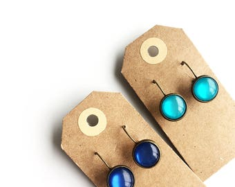 Earrings | old golden hangers with different colors
