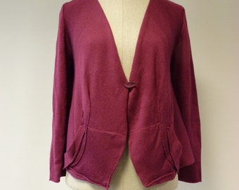Casual soft woollen berry coloured cardigan, L size.
