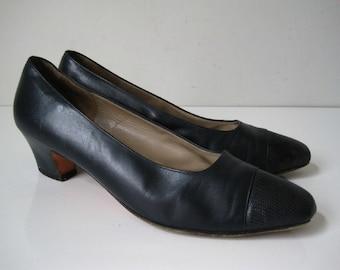 Vintage SALVATORE FERRAGAMO Womens Shoes Sz 8 Classic Heels Blue Leather Formal Italy BT379