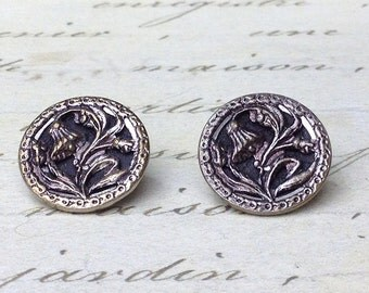 2 Small Antique Floral Picture Buttons 16 mm