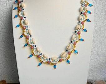COWRIE shells necklace
