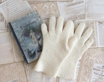 Felt gloves of merino wool Winter warm gloves
