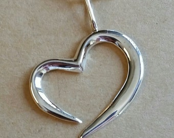 Heart in Sterling Silver with chain.
