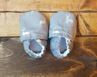 3-6 month gray woodland fabric moccasins, deer baby booties, infant crib shoes.