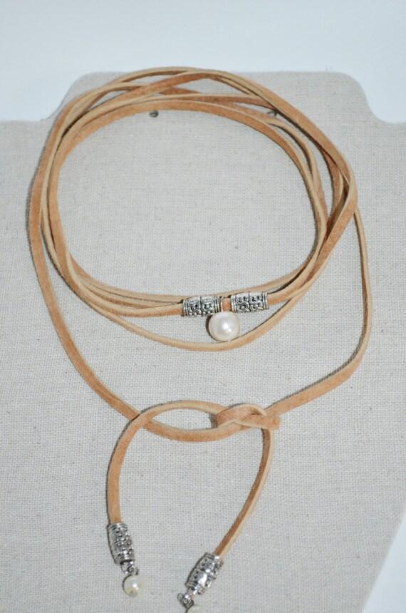 Choker Tan Suede Bolo, Pearl Wrap Choker, Tan Leather Bolo Choker, Trendy Long Bolo Wrap Choker, Bolo Choker with Pearls, Pearls & Leather