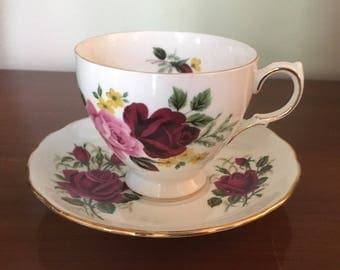 Vintage English Bone China Colclough Ridgway Potteries LTD Red and Pink Roses Tea Cup & Saucer M827