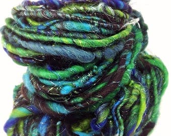 Handspun yarn - hand spun green yarn - Emerald - chunky knitting yarn
