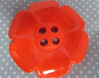 Over Sized Red Daisy Button