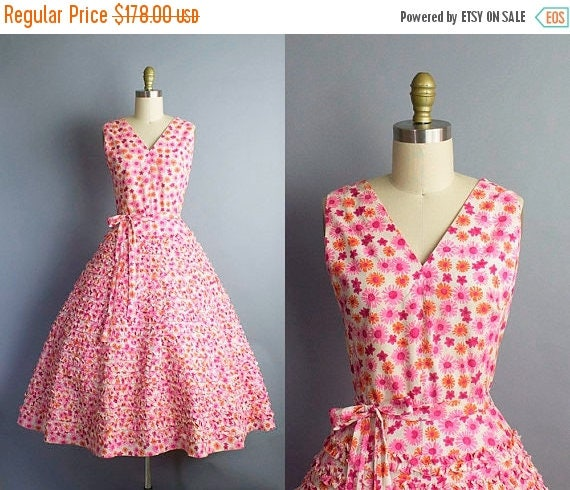 1950s Floral Sundress/  Medium (38b/29w)