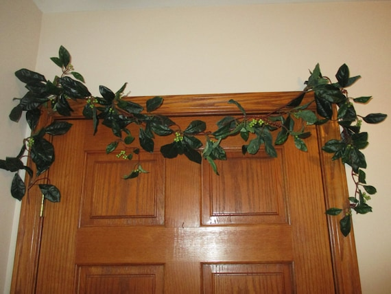 6 39 berry vine green berries garland curly tendrils rustic for Rustic home decor suppliers
