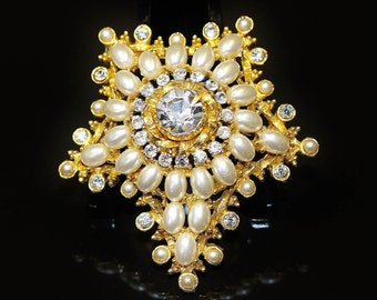 Vintage Brooch Pin Signed ART Shooting Star Egg Shaped Faux Pearls Large Centre Ice Rhinestone Miniature Faux Pearls and Stones Edgeing GT