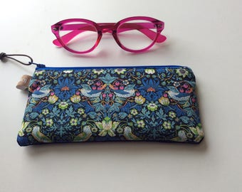 William Morris Liberty fabric Strawberry thief padded glasses case or purse, sunglasses case, padded, multifunction,handmade