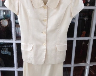 80's cream skirt suit size 4