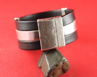 5A/9 MADE in EUROPE flat cord hammered magnetic clasp, 30mm flat cord clasp, large magnetic clasp (TM30X3M) qty1